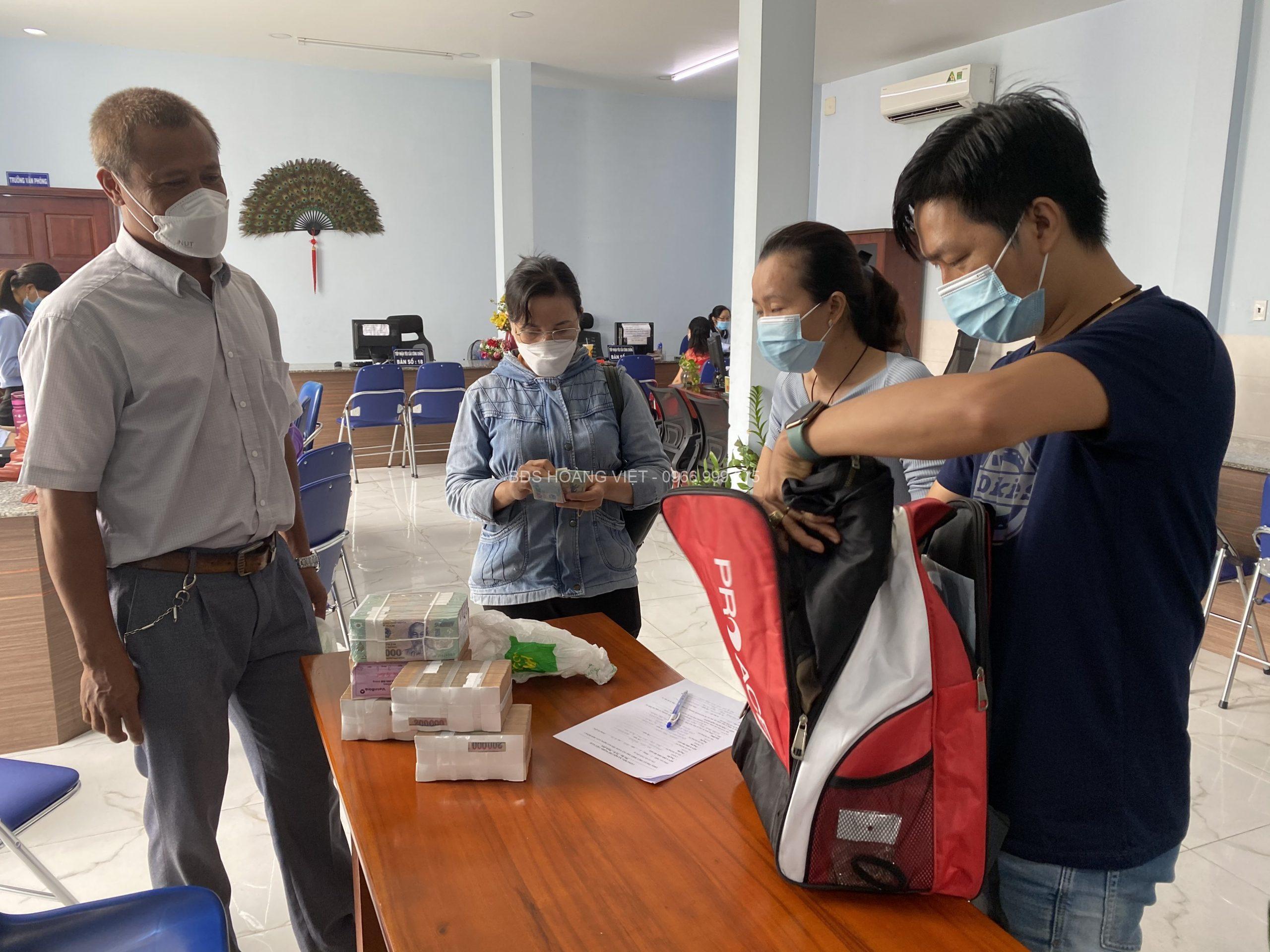 Rất nhiều giao dịch thành công tại BDS Hoàng Việt trong năm qua